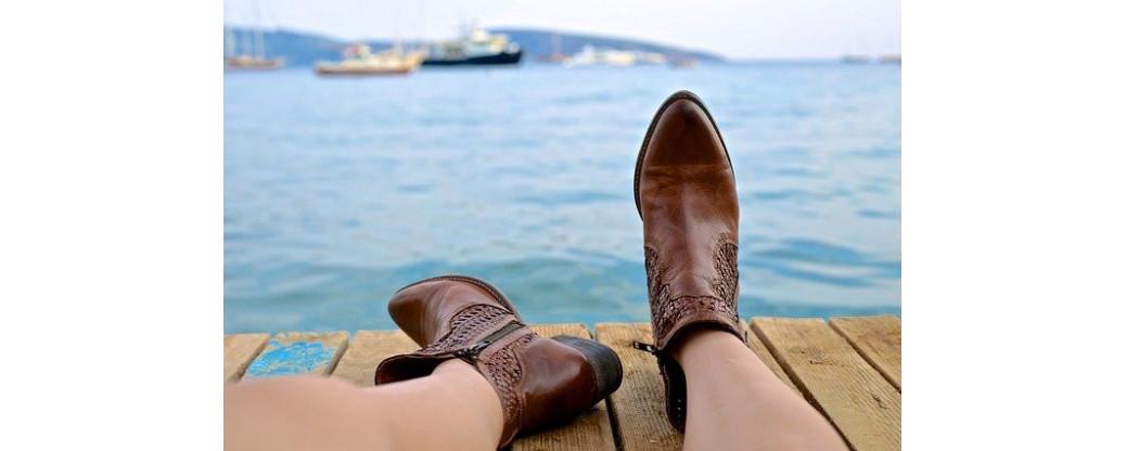 Les chaussures et les femmes : Unies pour la vie ?